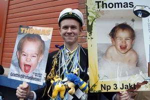 Thomas Olsson, NP jakt, var lycklig över att sin studentdag. Hans första kommentar om hur det kändes efter sin utgång var: Skitskönt!