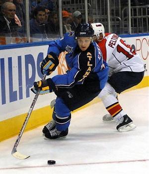 Tobias Enström pekas ut som en het kandidat till utmärkelsen som årets rookie i NHL.