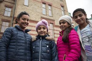 Nisa Cömert, Ronya Uzun, Sonja Ajeti och Bahar Motamed tyckte att det var roligt att få fira skolans födelsedag.