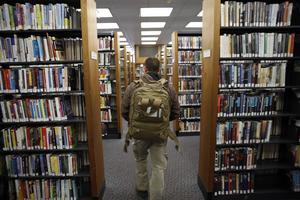 Biblioteksbesöken i Storbritannien har minskat med 30 procent det senaste decenniet