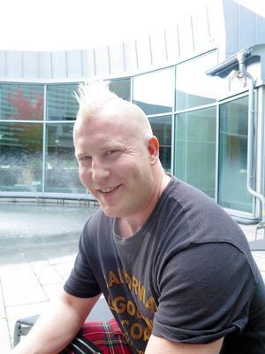 Martin är post-doc vid Högskolan i Gävle på halvtid. Andra halvan jobbar han på akutpsykiatrisk psykosavdelning i Oslo