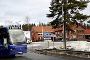 Ettabild: Nu måste de börja pendla till Östersund.