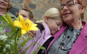 Wilma Blomquist kramar om läraren Anki Siriviö.