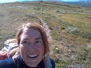 – Att få springa längs den svenska fjällkedjan känns fint. Jag hoppas komma fram till Grövelsjön i mitten av augusti, det beror på vad jag upplever under vägen, säger Christine Hägglund som nu avverkat cirka 110 mil av den 130 mil långa löparäventyret.