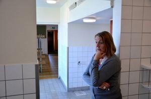 Cecilia Medalen är rektor på Svenstaviks skola. Hon är bekymrad över situationen med den fallfärdiga idrottshallen.