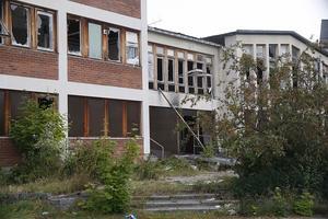 NU. Fönster och dörrar måste stängas för, annars får de lettiska ägarna