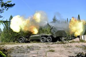 Så här såg det ut när det var stor militärövning i Trängslet den 25 augusti. Nu ska det övas stridskjutning och indirekt eld.