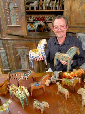 Staffan Haegermark har över drygt 500 trähästar i sin samling.