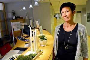 Anette Östman, hotellchef/enhetschef på Vårdhotellet, menar att Vårdhotellet skulle kunna ta ett större ansvar för att avlasta avdelningar på Sundsvalls sjukhus, men att det i så fall krävs mer personal. Samtidigt är hon kluven om det är en bra idé att ändra en verksamhet som fungerar bra.