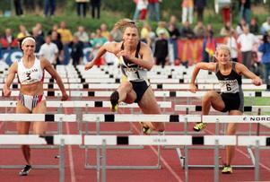 I loppet var det ingen som kunde hota OS-vinnaren från 2006. Ludmila vann 100 meter häck lätt.