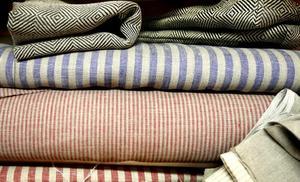 Linne är huvudmaterialet hos Majas textil i Bobygden.