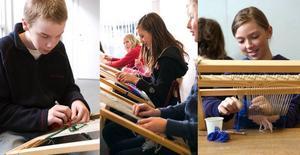 Motiv ur fantasin. Johan Lindgren, Hanna Fält och Paulina Westberg arbetar med vävar inspirerade av egyptiska Harraniavävar. Foto:AnnaKlintasp