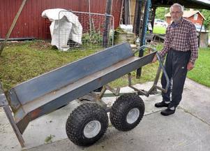 Per-Ivar Jonsson har konstruerat en egen älgtransportvagn.