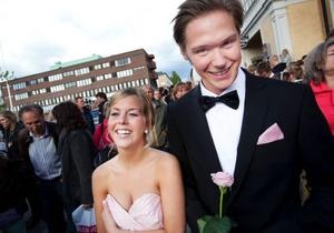 För Linn Svensson var det studenttidens andra bal och för Pontus Andersson var det den första. Och nästa vecka väntar mösspåtagningsbalen.