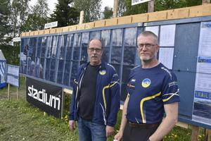 Söndagens tävlingsledare Jan Isaksson och Torgny Näslund från Skogslöparna