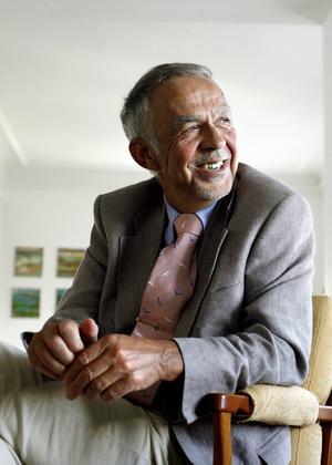Västernorrlands förre landshövding Gerhard Larsson tycker sig numera ha slagit av på takten när han som pensionär