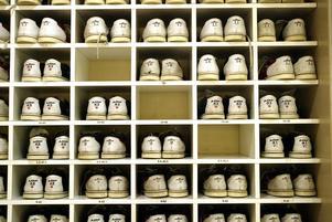 Säkrare bowling. Arbetsmiljöverket kräver att alla Sveriges bowlingbanor byggs om och blir säkrare, både för personal och kunder.Foto: peter krüger