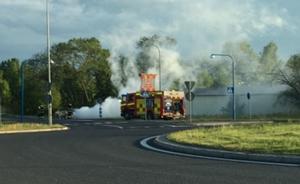 Bilbrand på Johannisbergsvägen. Foto: Läsarbild