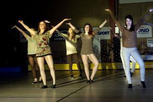 StepZz dansade en modern dans, koreograferad av Zarah Zeidlitz.