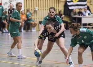 Maja Allgulander och Strand körde fast mot Nacka.