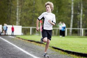 Gabriel Karlsson, Blötbergets skola, kastade en blick bakåt och konstaterade att konkurrenterna var distanserade.