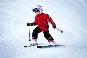 Izabella Ljungren började åka skidor med Almåsa AK i fjol.