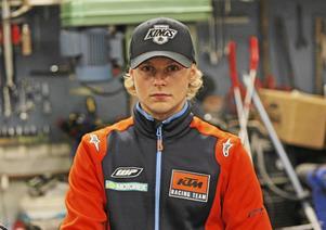 Joakim Grelsson följde upp segern i SM med seger i EM. En dubbel som ingen förare från norra Sverige tidigare lyckats med.