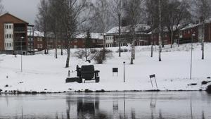 Hundarnas badplats. Kommunstyrelsen i Fagersta har beslutat att området nedanför Solliden ska bli en officiell badplats för hundar när snön har smält.