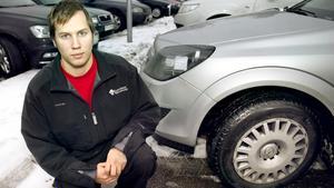 Rättscirkus. Niklas Vouleva har kämpat i över ett år för att få tillbaka sina stulna hjul. Allt har varit förgäves, trots att tjuvarna har gripits och hjulen hamnat hos polisen.