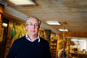 Anders Englund hoppas att en ny hyresgäst småningom flyttar in i Dollarstores dryga 18 000 kvadratmeter stora lager i Skanderåsen.