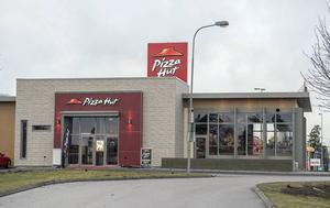 Så här ser Pizza Huts restaurang ut i Växjö.