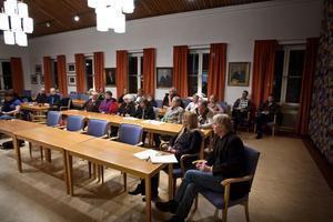 Ett 15-tal personer kom till gårdagskvällens möte och dessa uppmanades att komma med förslag hur skolområdet i Gubbo ska se ut i framtiden.