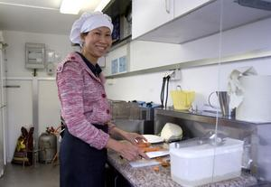 Miljökontoret kräver att det finns varmt och kallt vatten i vagnen, kylar och frysar, och en separat toalett för personalen i närheten. Dessutom ska det finnas förrådsutrymmen och en så kallad bakomlokal i anslutning till vagnen där maten kan förvaras och förberedas.