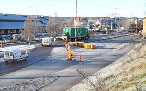 Den nya cirkulationsplatsen från Korsnäsvägen till stationsområdet har påbörjats. Foto: Curt Kvicker