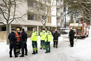 brand i tvättstuga. Räddningstjänsten släckte snabbt branden i Sätra.