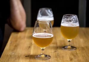 Alkoholservering ska enligt lagen ske inom ett avgränsat område. Det står