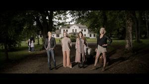 """Melodram av klassiskt snitt. Helena af Sandeberg, Marie Göranzon, Alexandra Dahlström och Carolina Gynning i """"Blondie""""."""
