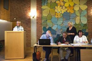 Christer Siwertsson, Borgerligt alternativ, och Margareta Winberg, Socialdemokraterna debatterade flitigt under kyrkofullmäktige.