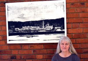 Ulla-Carin Winter visar sin mättade, värdiga och stilla grafik i Kvissleby.