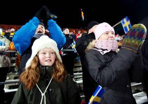 10-åriga Alva Elgstrand från Östersund fanns på plats för att heja fram sin favorit Helena Jonsson.