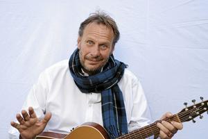 Magnus Sjögren, rockare, underhållare och allsångsledare. Arkivfoto: Anders Erkman