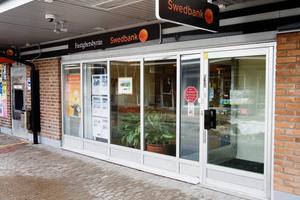 Swedbank stänger kontoret i Järna och flyttar verksamheten hit till kontoret i Nykvarn.