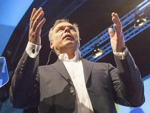 Björklund höll ett starkt och känslosamt tal på riksmötet, där han bland annat talade varmt om varför han är liberal.