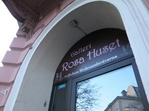 Konstgallerierna i Gävle faller som käglor. Snart stänger Galleri Rosa Huset. Man kommer dock att visa ytterligare några utställningar innan det är över.   Foto: Bodil Juggas