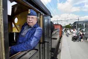 RARITET. Staffan Källström styrde ångtåget som gick från järnvägsstationen till museet.