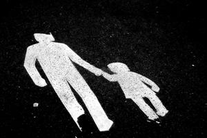 Det råder stor brist på familjehem, bland annat på grund av antalet barn som placeras i familjehem mer än fördubblats de senaste 20 åren.