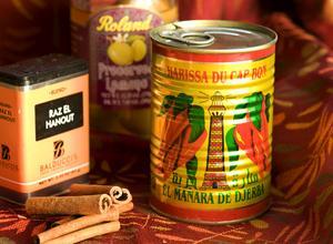 Chilipastan harissa, kryddblandningen ras el hanout och inlagda citroner är några typiska smakgivare i det marockanska köket.