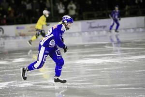 Robin Öhrlund ställdes mot storebror Jesper på Hällåsen, vars Broberg vann med 5–3.