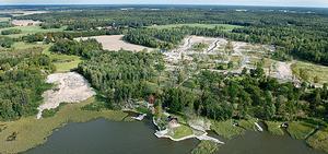 Gäddeholm ligger härligt nära Mälaren. Nu ska det bli småbåtshamn, pir och ny badplats.