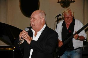 Åter till Askersund. Gert Lengstrand, känd från Streaplers, finns med när Cadillac Band åter gästar Askersund.